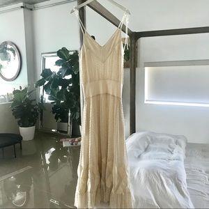 Diane Von Furstenberg long lace detailed dress 💗